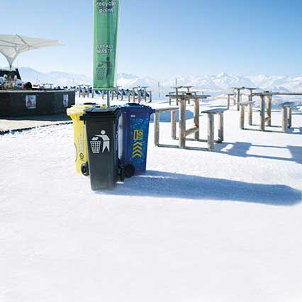 Recycling in Laax.